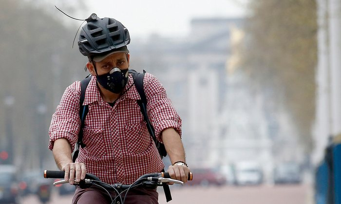 cycling-smog-pollution-face-mask