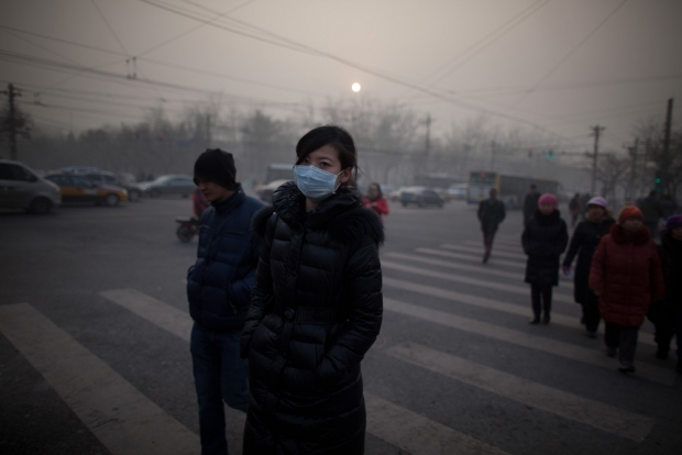 Air-Quality-Face-Mask-Use